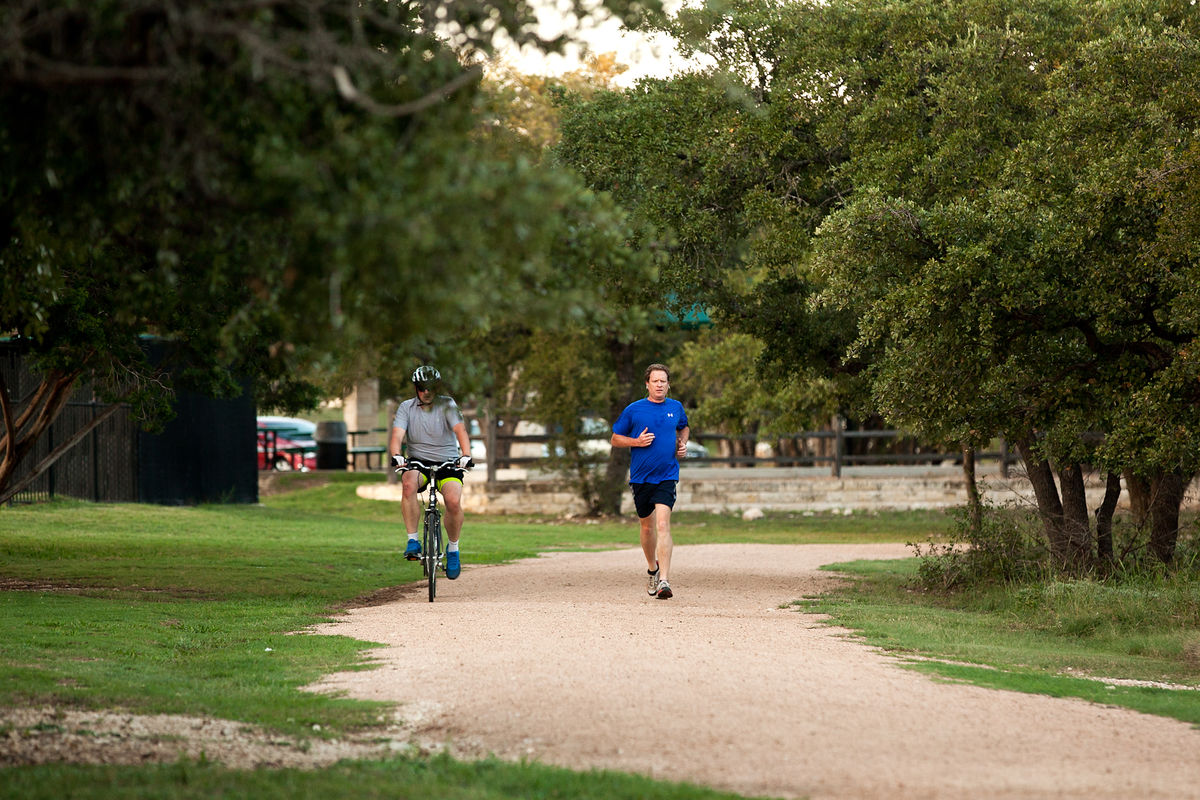19_15_013Walsh_Trails_Brushy_Creek_Lake_Park_jogging_biking